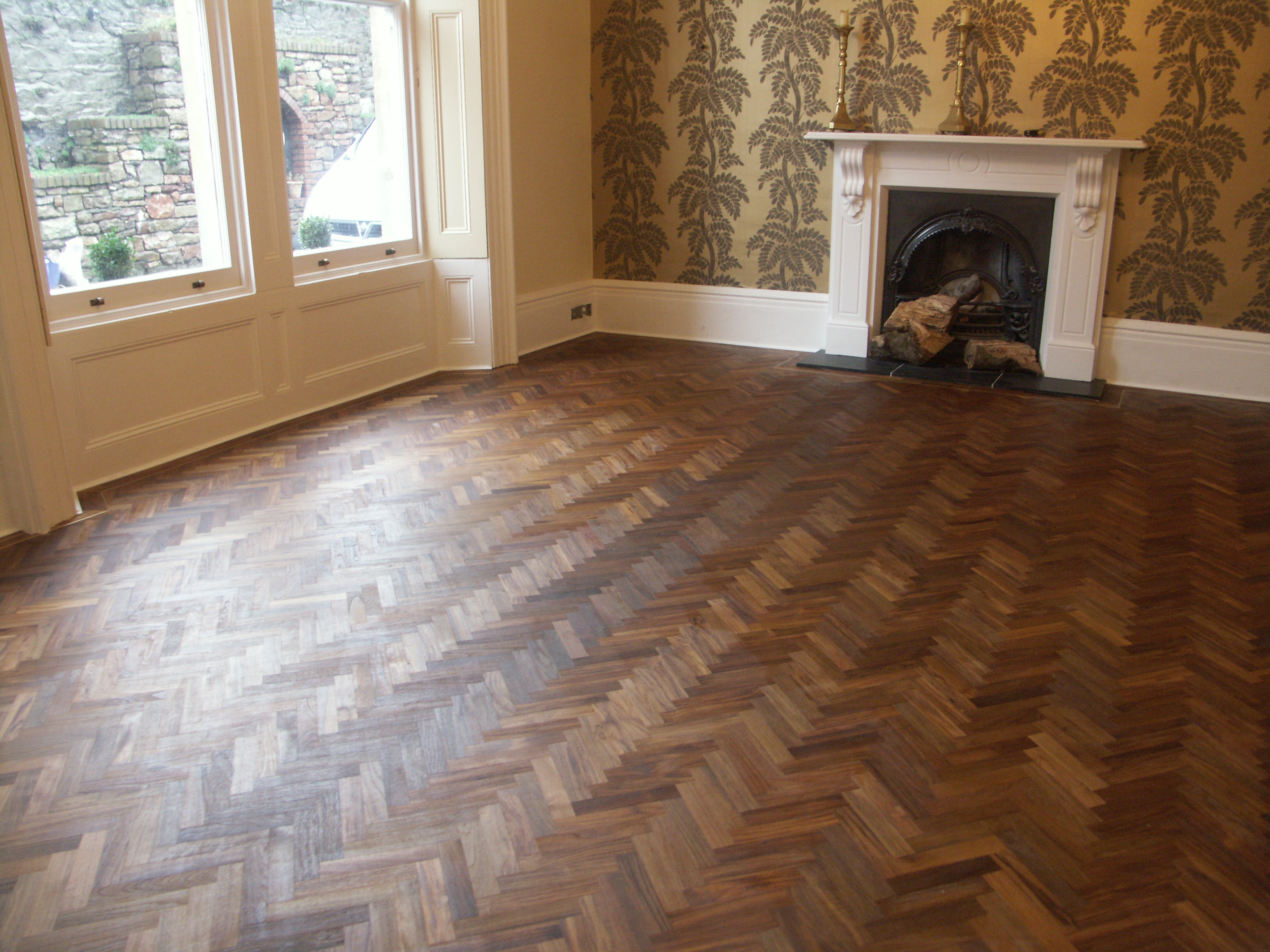 Herringbone las hardwoods for Wood floor herringbone